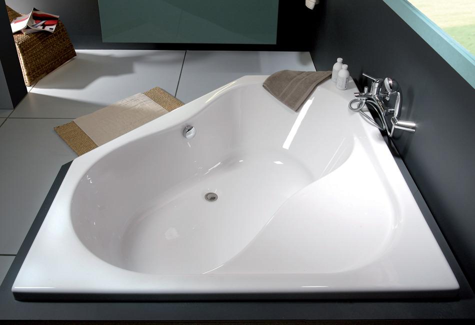 Fiche produit sdb baignoire asym trique et d 39 angle for Salle de bain baignoire d angle zen