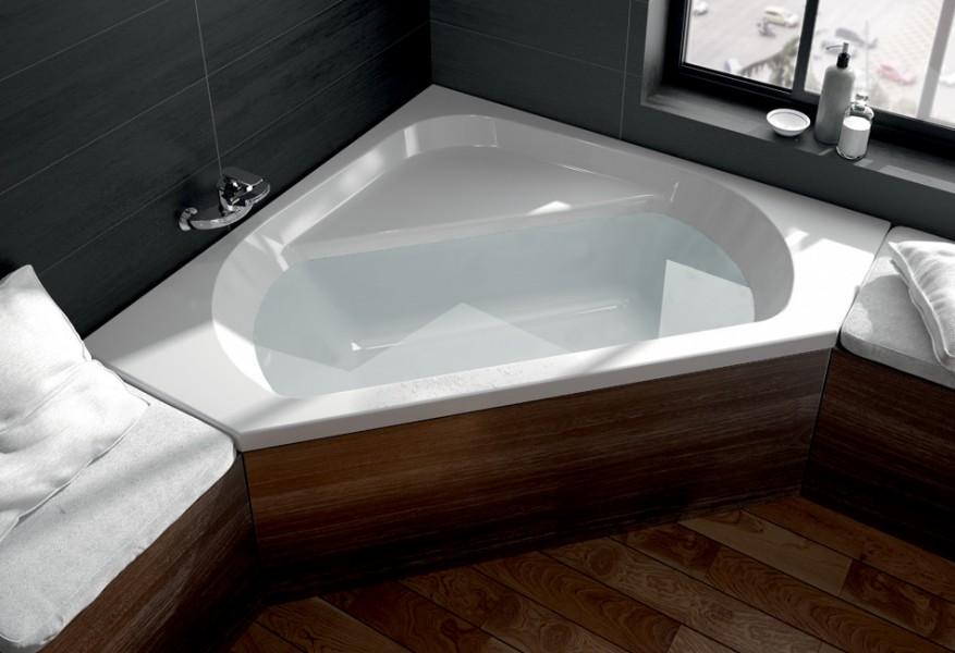 Baignoire d'angle pour salle de bains MAESTRO d'Aquarine
