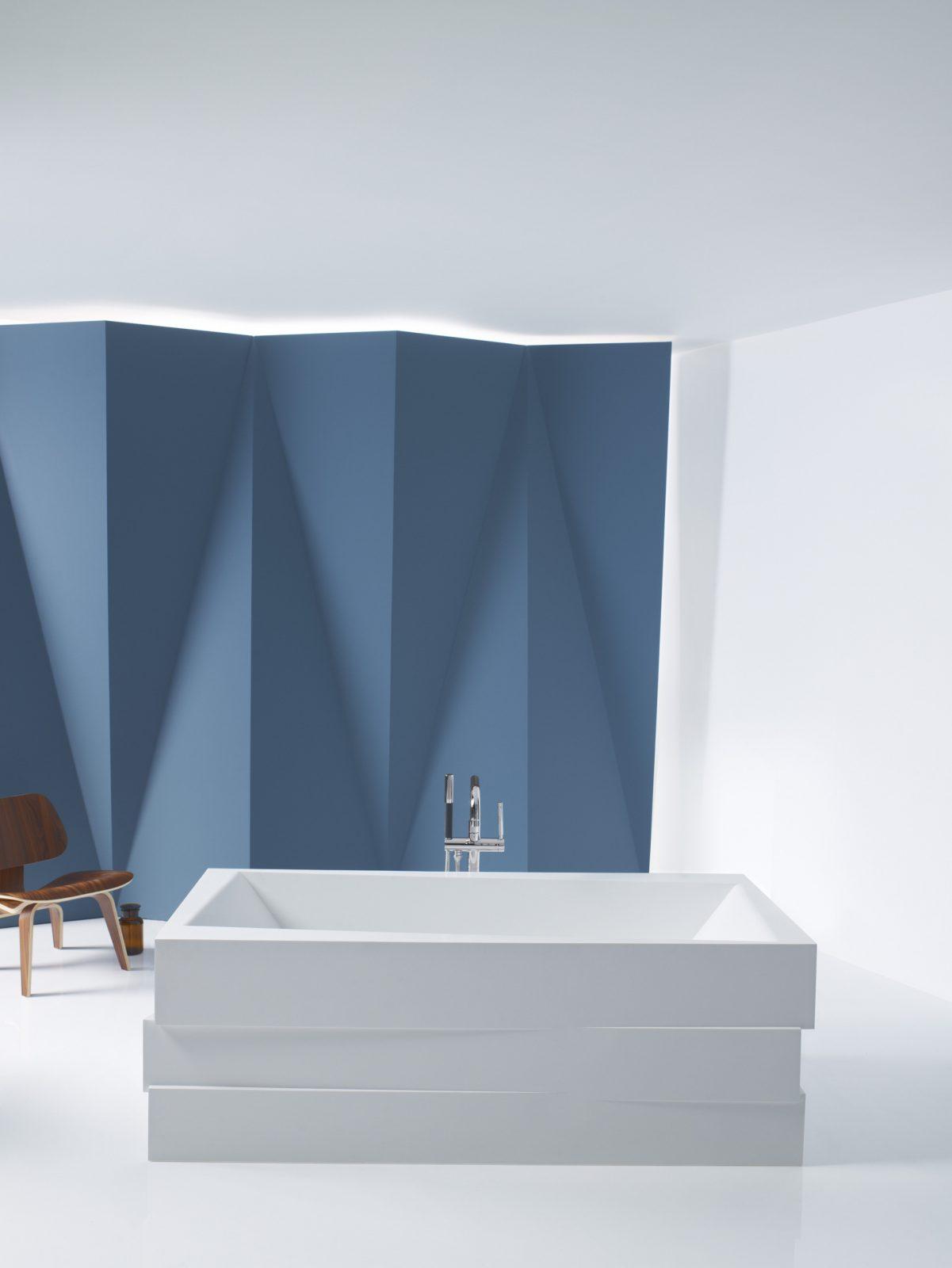 fiche produit de la salle de bains baignoire en lot. Black Bedroom Furniture Sets. Home Design Ideas