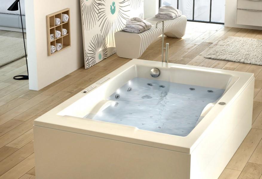 Baignoire balnéothérapie pour salle de bains SPANEO d'Aquarine