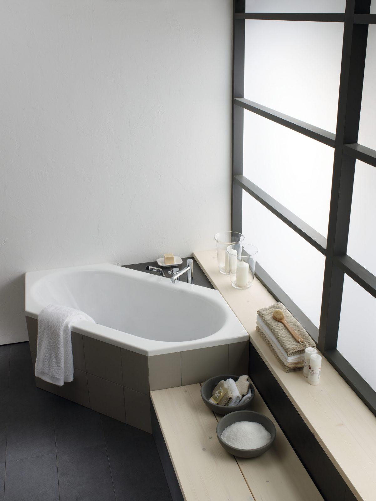 Baignoire baln oth rapie pour salle de bains laufen solutions - Baignoire balneotherapie ...