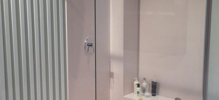 Panneaux muraux fond de douche pour salle de bains for Panneaux muraux pour salle de bain