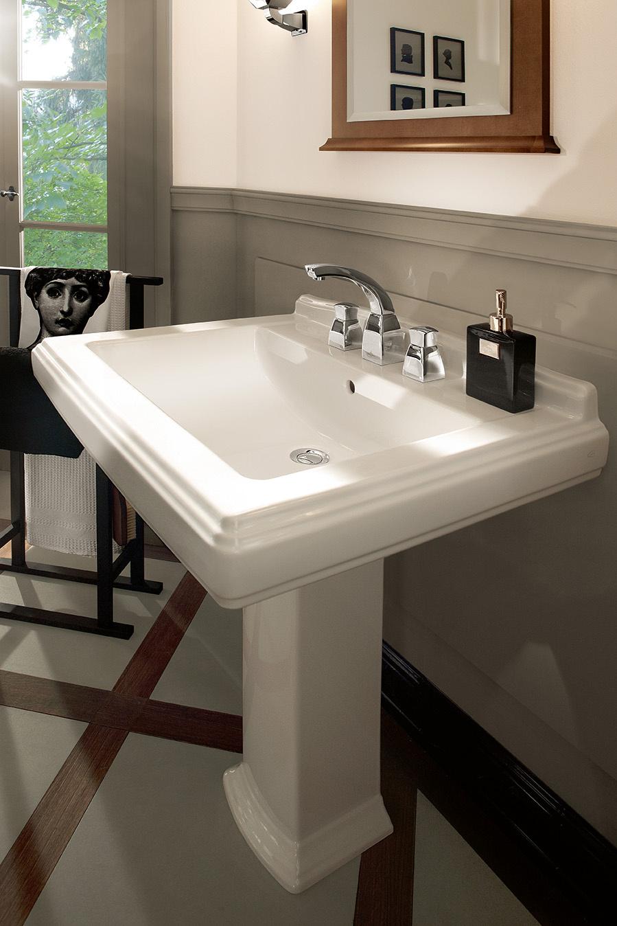 Lavabo colonne dans la salle de bains fiche produits - Lavabos salle de bain ...