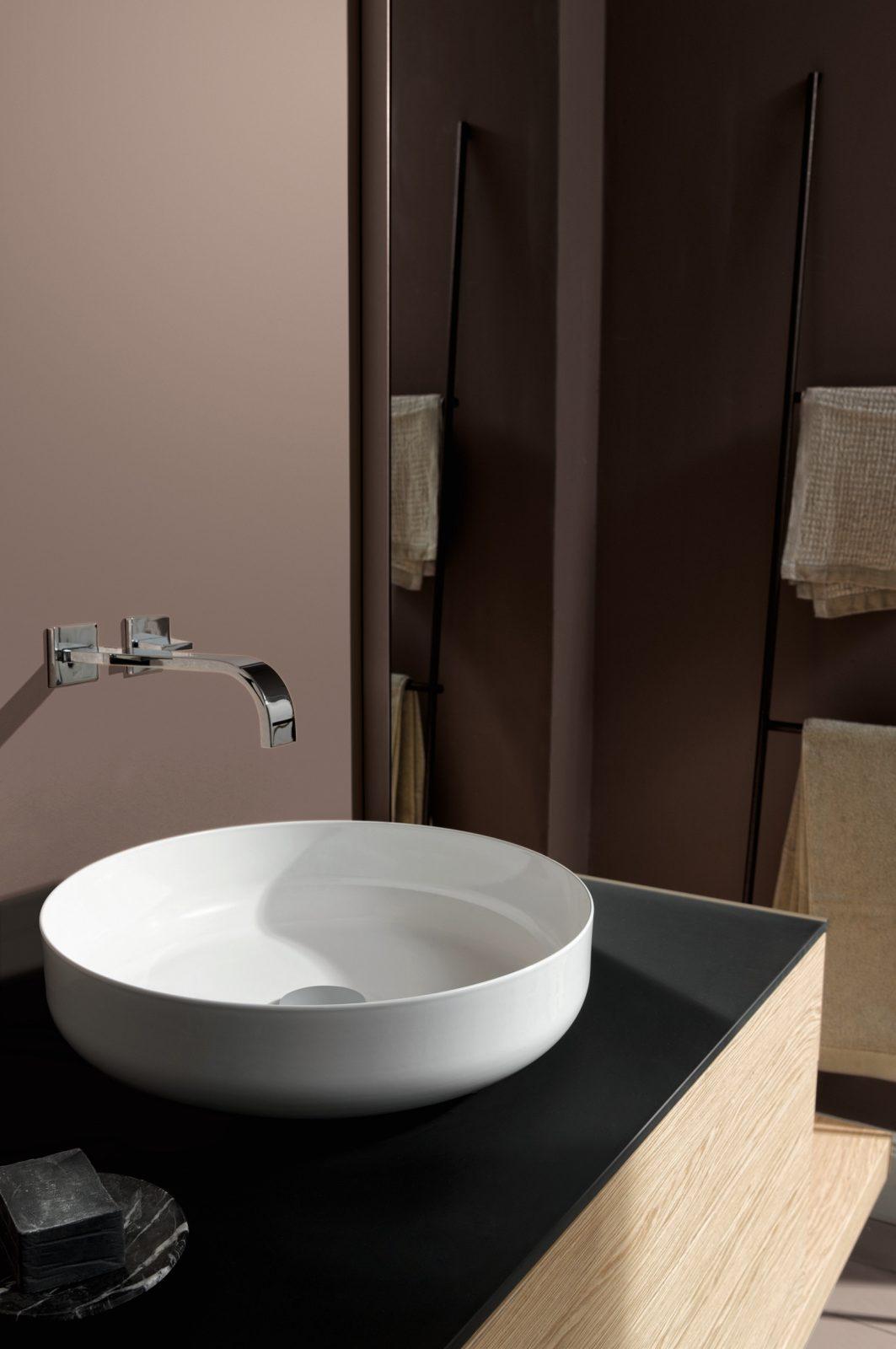 Vasques poser dans la salle de bains fiche produit for Vasque a poser rectangulaire salle de bain